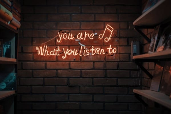 """Neonskilt """"You are what you listen too"""""""