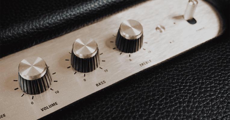 knapper på et mixebord