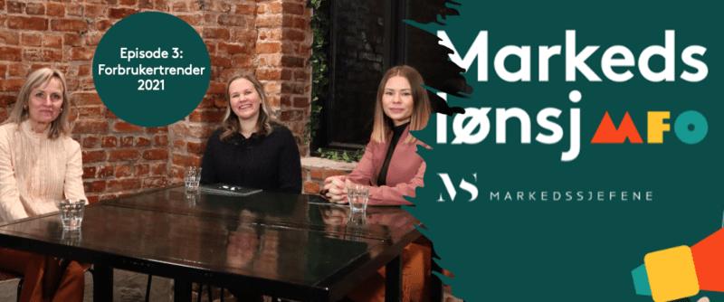 tre damer ved et bord til innspiling av vodcasten