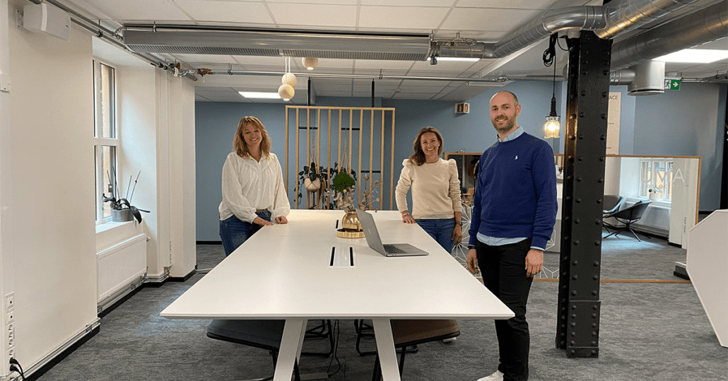 Trine, Kjersti og Benjamin på kontoret